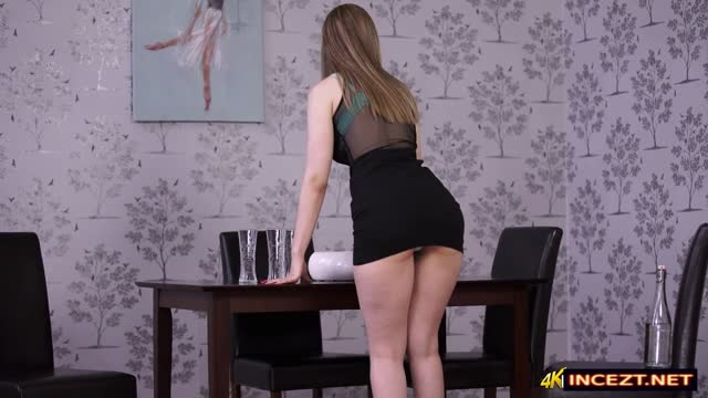 Avril Lavigne Dress Table And Masturbating