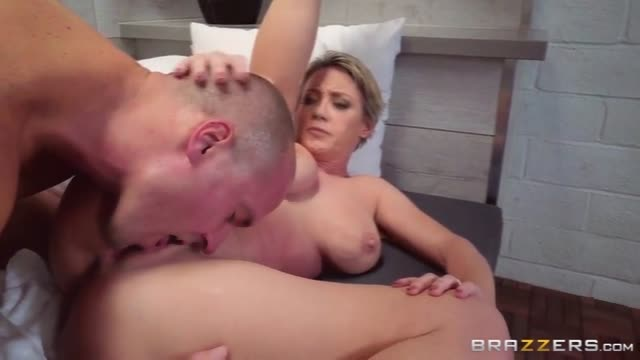 Amanda Tapping Fucked And Pussy Eating