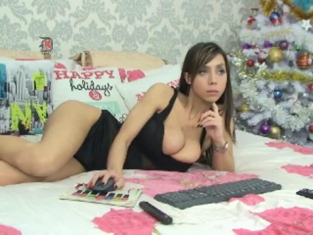 Aubrey Plaza Stripping On Webcam