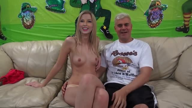Taylor Swift Fucked On Couch