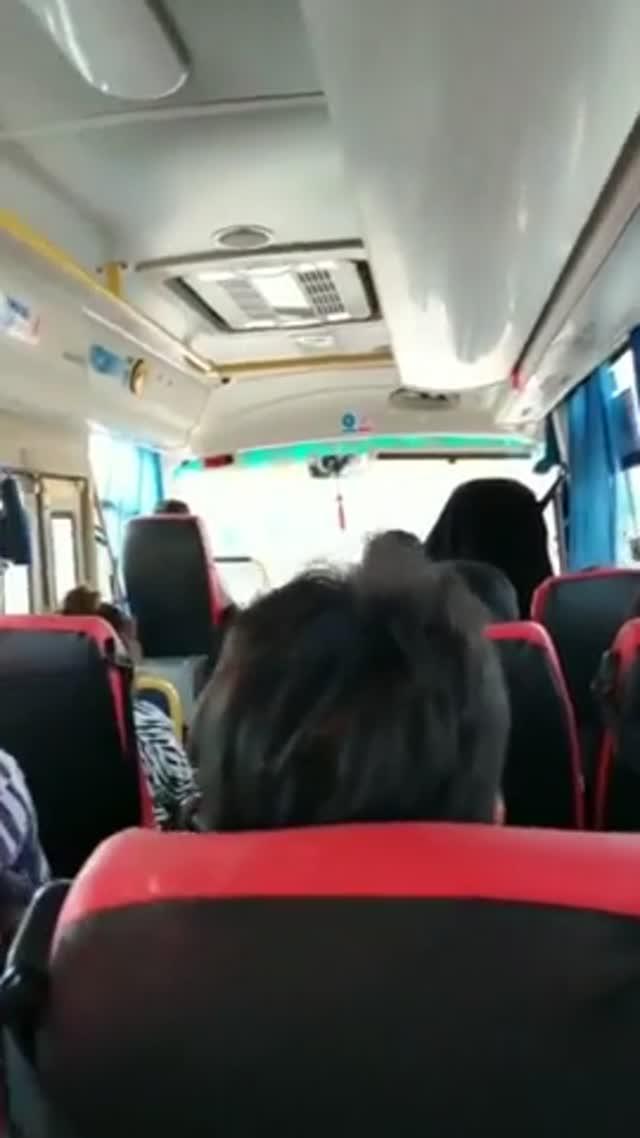 짧주의)버스에서 대놓고..